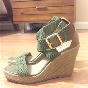 Steve Madden size 6.5 wedge sandals! 4in high!