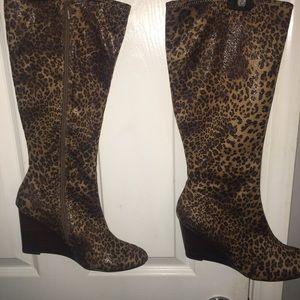 Cheetah print wedged heel boot 9 1/2