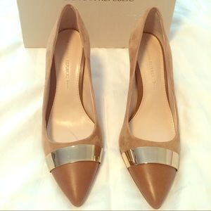 Banana Republic Tan Suede Pumps
