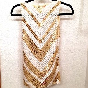 Tops - 🎉HOST PICK🎉Awesome 100% Silk allover Sequin Top