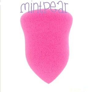Mint Pear Beauty Other - MINTPEAR FACIAL SPONGE AUTHENTIC