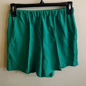 Vintage High Wasted Green Shorts