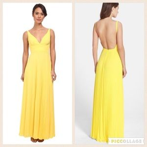 Laundry Shelli Segal Pleated Open Back Gown