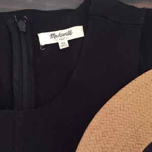 Madewell Silhouette Dress in Black, XS