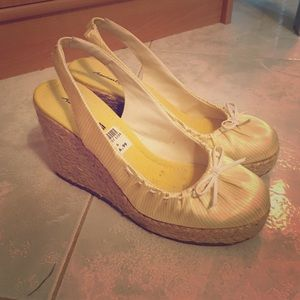 American Eagle by Payless Shoes - American Eagle yellow summer wedge sandals. Size 6