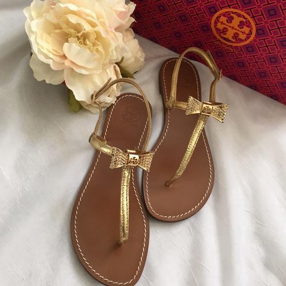 8091272b1a5c ✨HOST PICK✨Tory Burch bow thong sandals