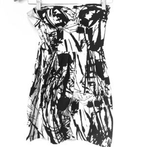 Dresses & Skirts - Forever 21 black and white mini dress SMall