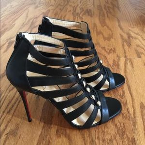 Christian Louboutin Denis Button Sandal in 40.5