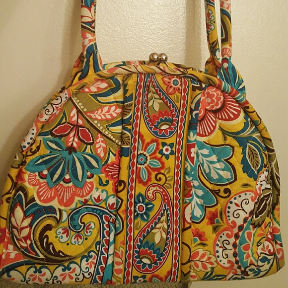 17736092cf44 Vera Bradley Metal Clasp Handbag. M 5767610bf0137d6874048c53