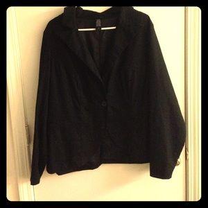 Black lightweight linen blazer with silky lining!