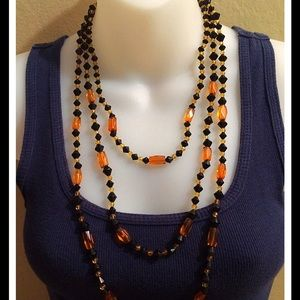Three layers necklace.