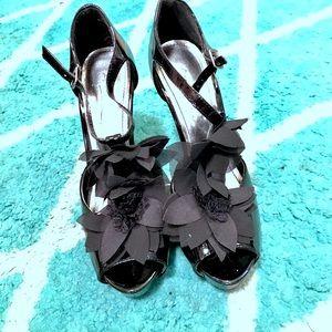 Anne Michelle Shoes - Black Floral Heels