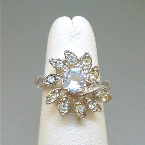 Uncas Crystal Ring