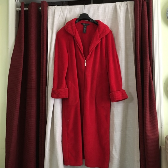 newest collection complete in specifications on feet images of 🌹🌹🌹Noire jasmine rose bath robe🌹🌹🌹