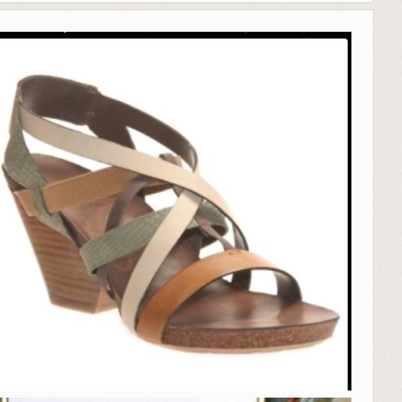 4287cfb60498 OTBT sandal wedge heel