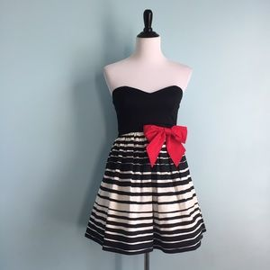 Trixxi Dresses & Skirts - B&W Dress with Red Bow