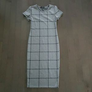 Dresses & Skirts - Gray Midi Dress