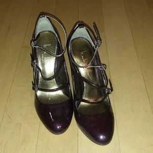 Nicole Miller burgundy heels
