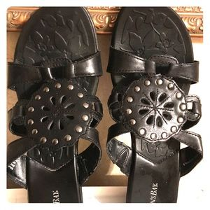 St. John's Bay Shoes - St. John's Bay black leather sandals 8.5