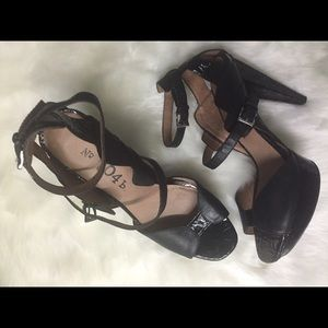 ⚡️No. 704b. Verna Leather Platform Mary Jane