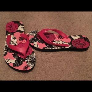 81ff5baf5c6d5c Vera Bradley Shoes - Vera Bradley Mocha Rouge flip flops!