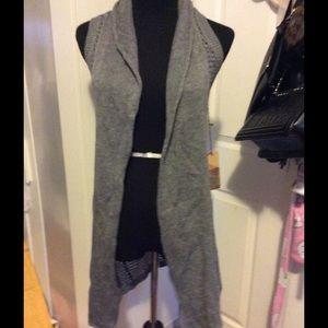 Tops - Gray knit tunic vest
