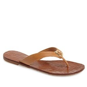 ✨🆕✨{Tory Burch} Tan Thora Sandals