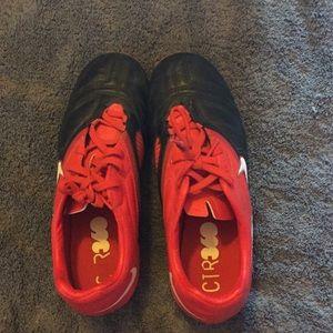 Nike Shoes - Nike Boys Soccer Cleats Size 3 1/2