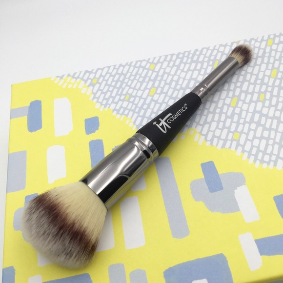 Heavenly Luxe Dual Airbrush Concealer and Foundation Brush by IT Cosmetics #12