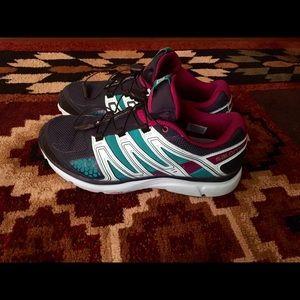 Salomon Shoes - Mint Salomon running shoes