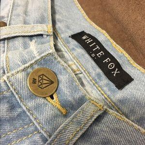 6 off white fox boutique denim boyfriend jeans from allie 39 s closet on poshmark. Black Bedroom Furniture Sets. Home Design Ideas