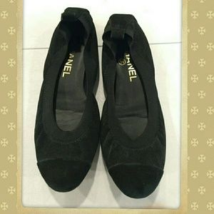 CHANEL Black Ballet Shoes- MINT Condition, Size 37