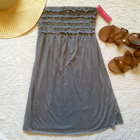 111078f414816 NWT Target swimsuit cover-up.