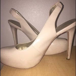 GUESS nude Pumps 8.5