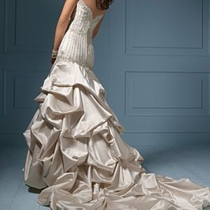 •Alfred Angelo | Wedding Dress•