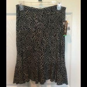 New! Skirt