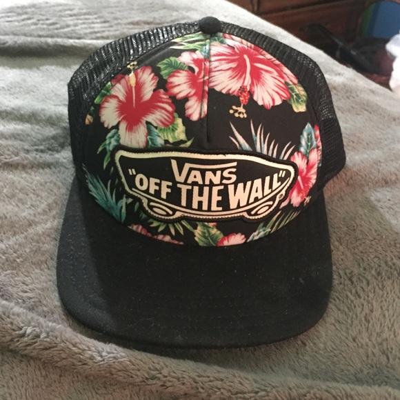 98dd58622c Vans off the wall Hawaiian floral SnapBack. M 5769b664522b45d0c400cce3