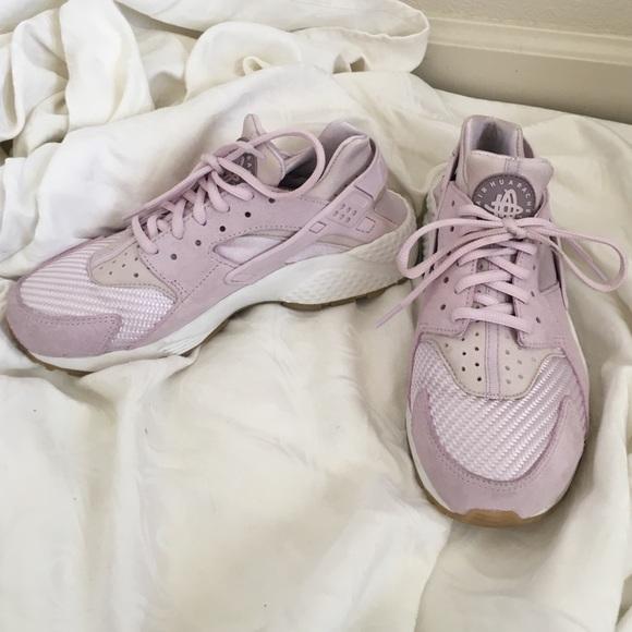 13b92f0e11f4 Huarache light pink n white size 8 in women s. M 5769c1f4d14d7b2ae700ddc9