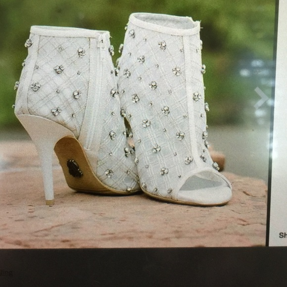 Vera Wang Bridal Shoes   Poshmark