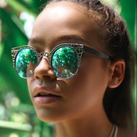 940c70902eb4 Accessories   Nwt Silver Fleur Wire Cut Out Cat Eye Sunglasses ...