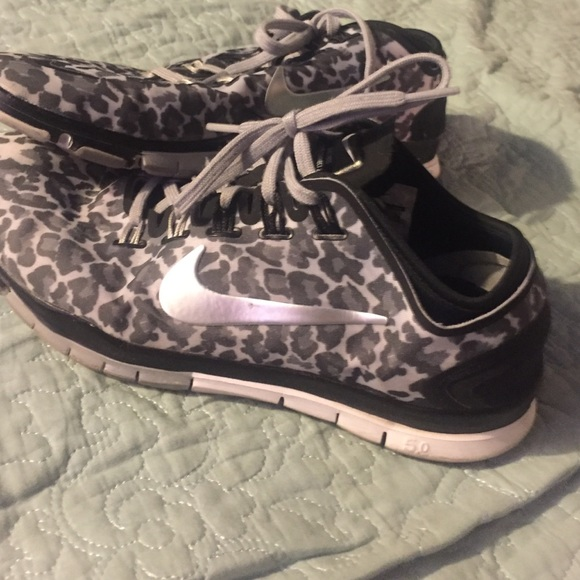 Women S Nike Zoom Midfit Athletic Running Shoes