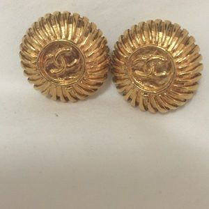 Vintage Chanel gold clip on earrings