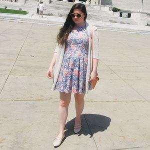 Stylemint Dresses & Skirts - Stylemint Floral Denim Dress