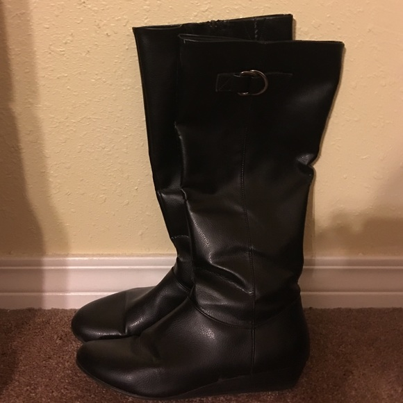 American Eagle by Payless - Black boots from Danita's