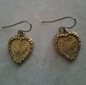 😽FREE BundleAddOn Cute Little Gold Heart Earrings