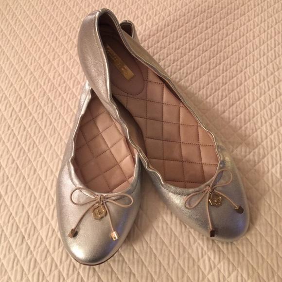 Louise et Cie Cie Cie Schuhes   Silver Ballet Flats 85   Poshmark b96cd4