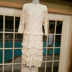 VINTAGE IVORY LACE / RUFFLED DRESS