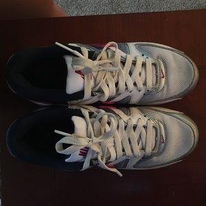 Size 7 Nike air max