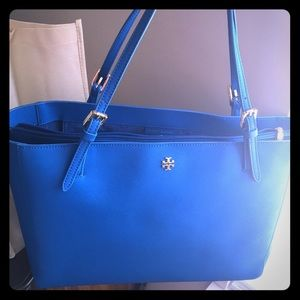 Tory Burch Handbags - Authentic Tory Burch York Tote