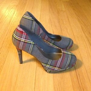 FIONI Clothing Shoes - Almost New Grey Plaid Heels - 6 1/2